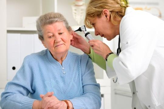Хронический эпитимпанит сопровождается снижением слуха