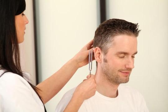 Установить причину шума в ушах довольно сложно