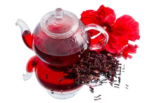 При гипертонии назначают холодный чай каркаде
