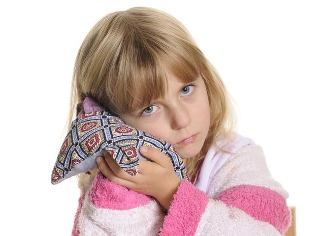 Что делать если в ухо стреляет у ребенка