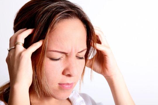 Симптомы отита: температура, боль и шум в ушах