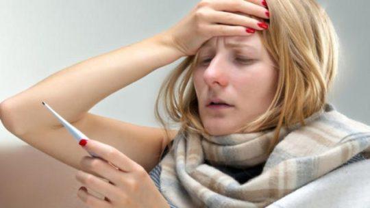 Дискомфорт в ушах может возникнуть из-за отита или после него