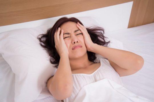 Гнойная форма отита сопровождается головными болями