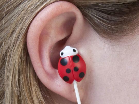 Инородный предмет или насекомое в ухе - возможная причина болей