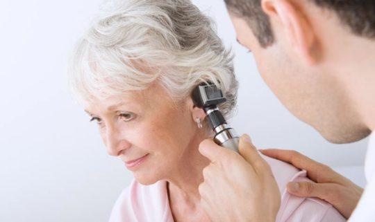 Важно определить характер шума и дискомфорта в ухе
