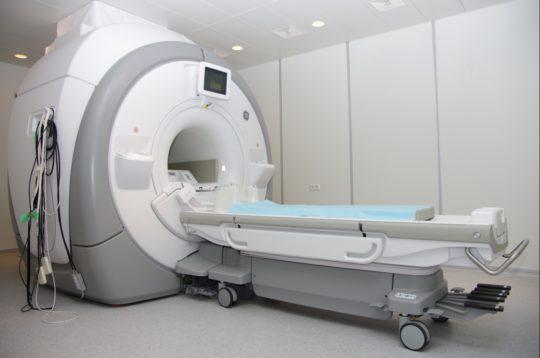 Уточнить диагноз мастоидита помогут дополнительные обследования, например, МРТ