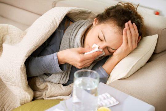 Ангина может вызывать ушную боль