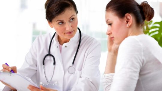 После осмотра врач сможет поставить диагноз
