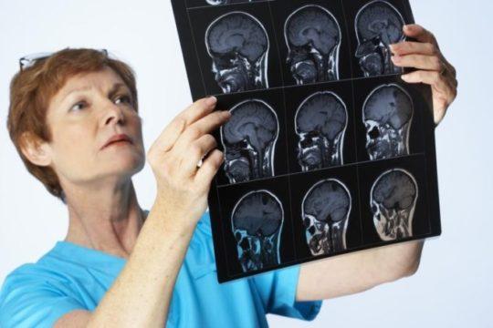 Пульсация в ухе может быть грозным симптомом наличия новообразований в голове