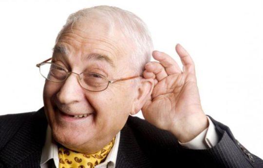 Для пожилых людей подбор аппарата немного сложнее
