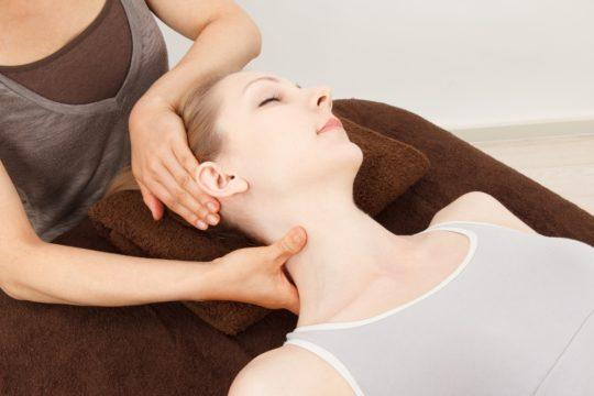 Согревающий массаж поможет в лечении простуженных мышц