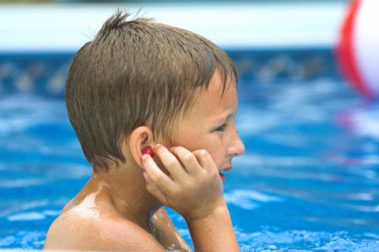 Защитить уши помогут специальные беруши