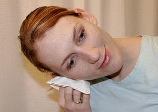 Широкое отверстие свища может спровоцировать попадание микробов в ухо и вызвать частые воспаления