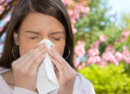 Аллергический отит возникает при аллергии