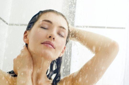 Ежедневное мытье ушей водой