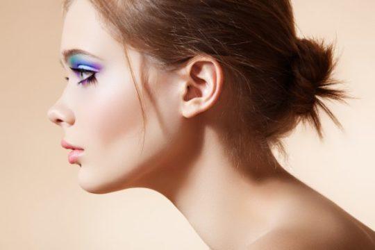 Чтобы ухо смотрелось эстетично, добавочный козелок рекомендуют удалять хирургически