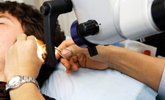 Пациент после удаления холестеатомы должен регулярно проходить обследование у ЛОРа
