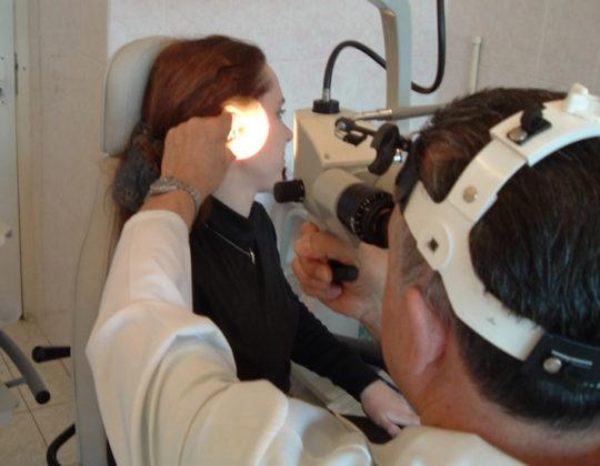 Предположения о возможном диагнозе основываются на визуальном осмотре пациента и сборе анамнеза