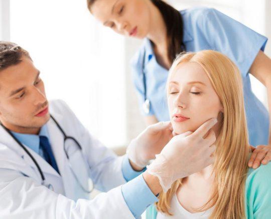 Чтобы выявить рак уха, необходимо провести тщательную диагностику