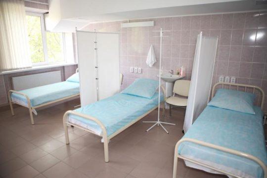 После операции пациент проходит курс реабилитации в стационаре