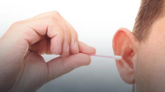 Ребенка необходимо научить правильно заботиться о своих ушках