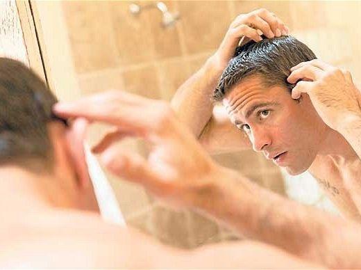 Себорейный дерматит поражает ушную раковину, лицо, голову и шею