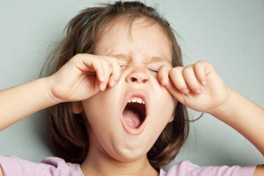 Если после бассейна заложило ухо, попробуйте широко зевнуть