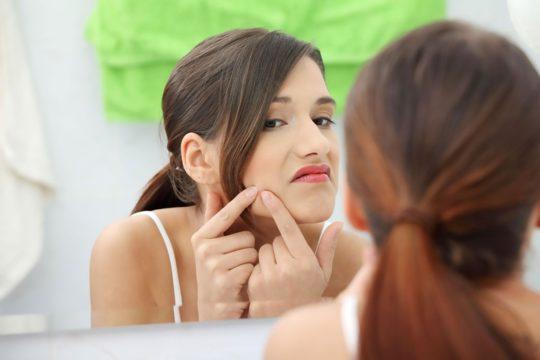 Угревая сыпь - возможная причина возникновения атеромы