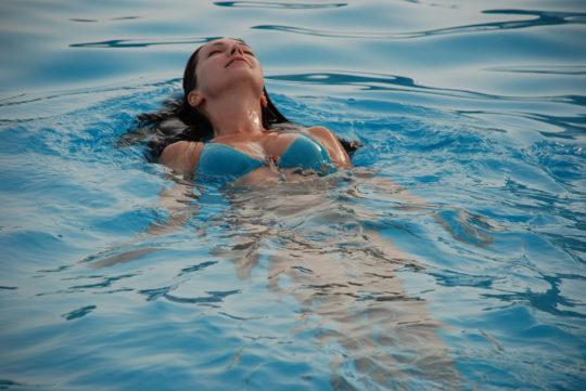 Вода в ухе может быть причиной воспаления