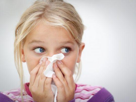 При насморке нос необходимо промывать правильно