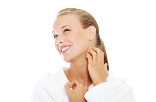 Зуд может распространяться на голову и шею