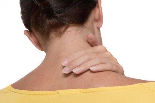 Шейный остеохондроз - возможная причина жжения в ушах