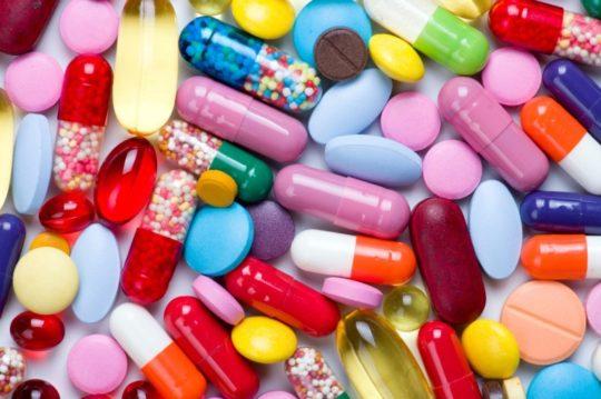 При запущенной форме отита могут назначаться несколько препаратов одновременно