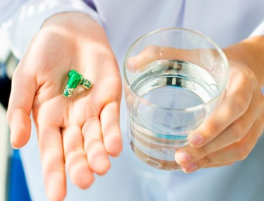 При затяжном отите без антибиотиков не обойтись