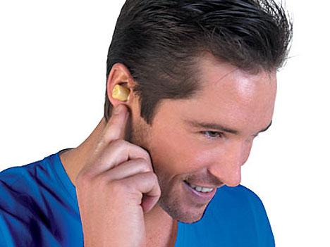 От несильной боли при отите может помочь долька чеснока в ухе
