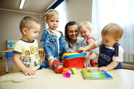 Можно ли при отите водить ребенка в детский сад?