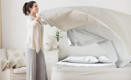 Чтобы избежать распространения инфекции, чаще меняйте полотенца и постельное белье