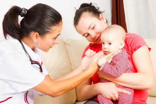 Для профилактики любых заболеваний, необходимо проходить ежемесячные осмотры у педиатра