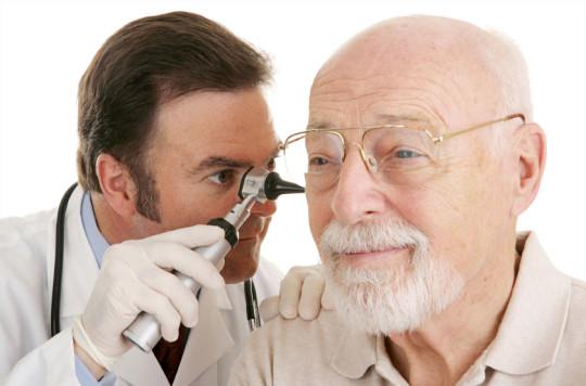 Существуют различные методики лечения полипов в ушах