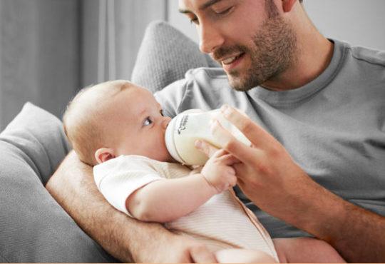 Правильное положение для кормления младенца