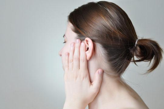 Болит ухо и опухло