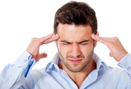 При отитах боль отдает в височно-лобную часть головы