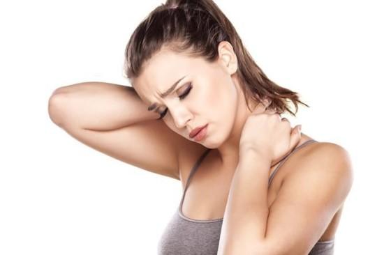 Боль в ухе и затылке может говорить об артрите челюстно-лицевого сустава