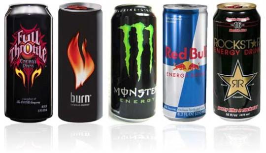 Энергетические напитки могут вызвать звон в ушах