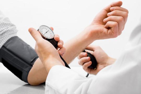 Гипертония - возможная причина тиннитуса
