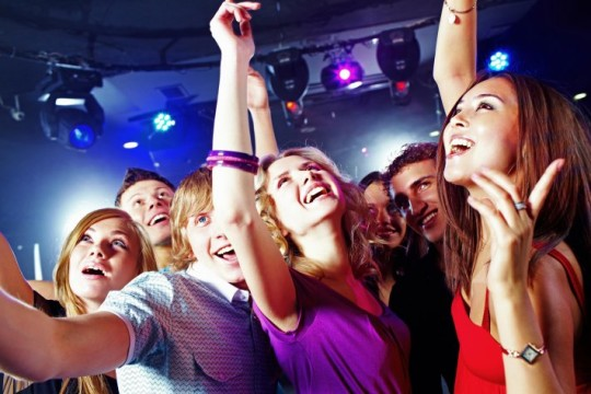 Громкая музыка в ночных клубах вредна для слуха