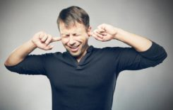 Шум и заложенность ушей